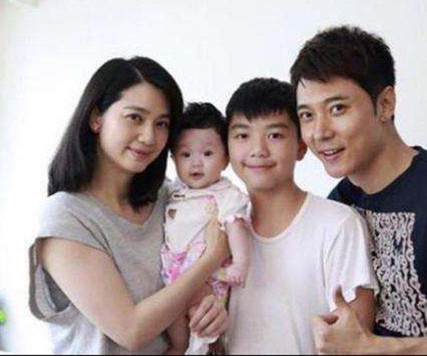 张丹峰和洪欣小三离婚事件 洪欣真是亏到底了