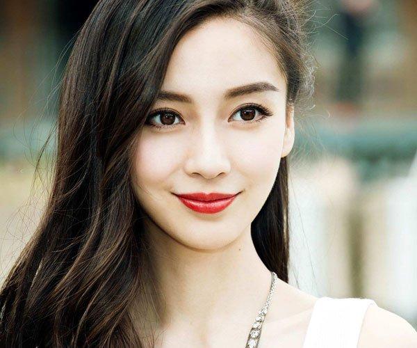 钟楚曦打杨颖一巴掌的视频 抹黑两个人的关系