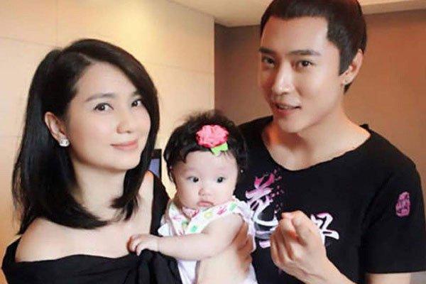 张丹峰和洪欣离婚了吗 到底是进展到了哪一步了